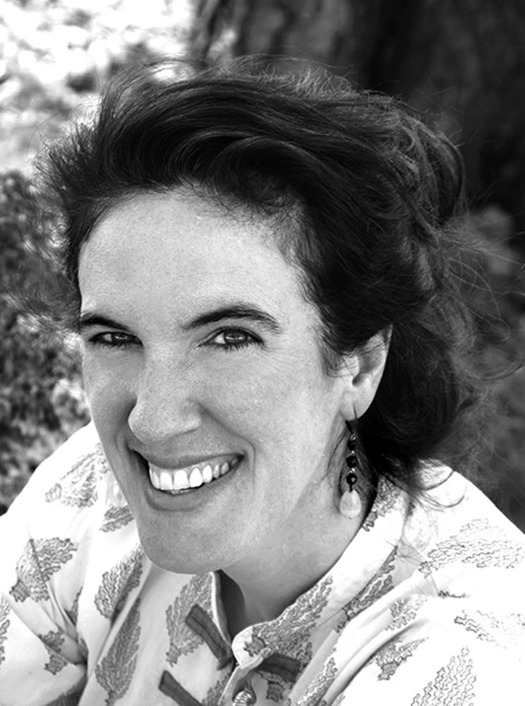 Friederike Klesper - Brückenbauerin - Lichtdesignerin - Innenarchitektin - Designerin - Fotografin - Querdenkerin